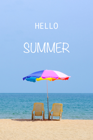 Foto de Hello summer on sea beach background, holiday banner - Imagen libre de derechos