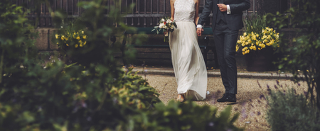 Photo pour happy wedding, bride and groom together - image libre de droit