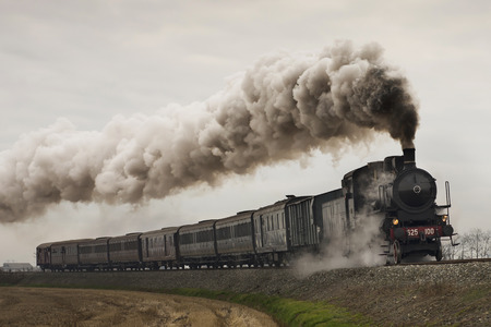 Photo pour vintage black steam train - image libre de droit