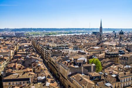 Photo pour Aerial view of the city of Bordeaux in france - image libre de droit