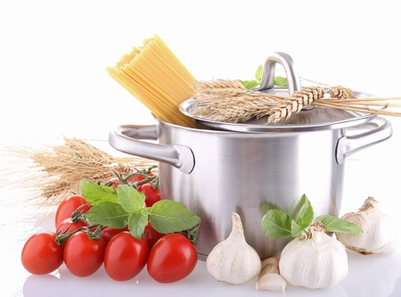 cooking pot, spaghetti and ingredient