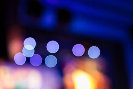 Foto de Background of a lot of concet lamps during a show, blurred background with bokeh - Imagen libre de derechos