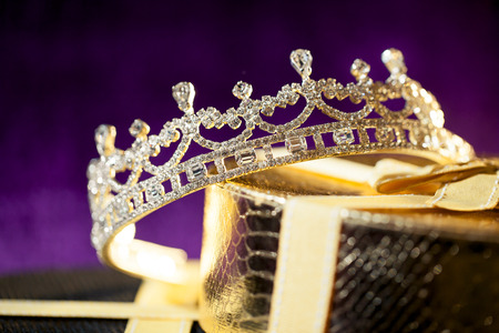 Photo pour Wedding crown - Diamond tiara - image libre de droit