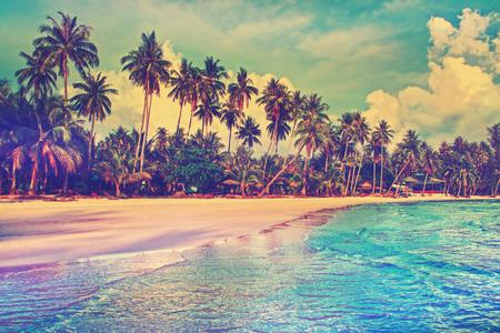 Foto de Paradise nature, sea and hotel house on the tropical beach. - Imagen libre de derechos