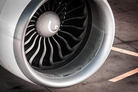 Foto de Engine, Turbine Airplane at Frankfurt Airport - Imagen libre de derechos