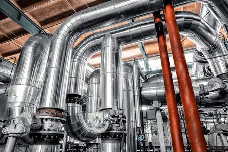Photo pour Large industrial pipes in a thermal power plant - image libre de droit