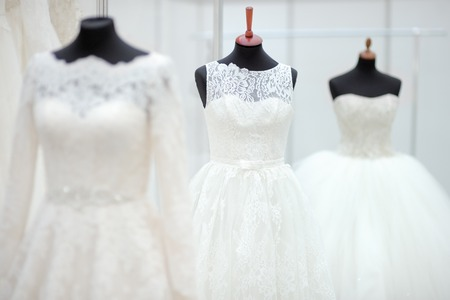 Photo pour Beautiful wedding dresses on a mannequin - image libre de droit