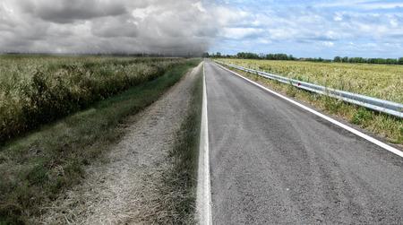 Foto de The good and the bad road - Imagen libre de derechos