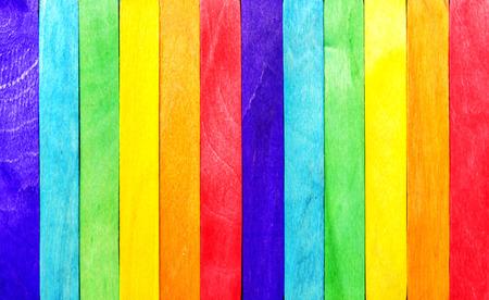 Photo pour Abstract Rainbow Wood Fence - image libre de droit