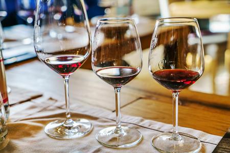 Photo pour wine tasting - image libre de droit