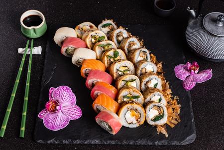 Photo pour Sushi on black - image libre de droit