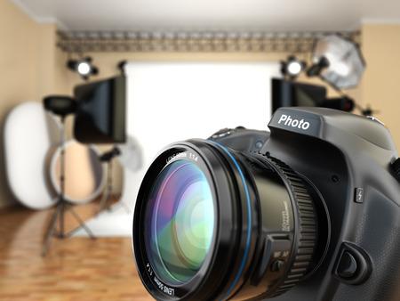 Foto de DSLR camera in photo studio with lighting equipment, softbox and flashes. 3d - Imagen libre de derechos