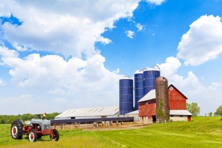Foto für American Farmland With Blue Sky - Lizenzfreies Bild