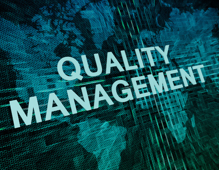 Foto de Quality Management text concept on green digital world map background - Imagen libre de derechos
