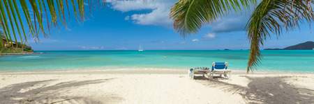 Photo pour Tropical beach - image libre de droit