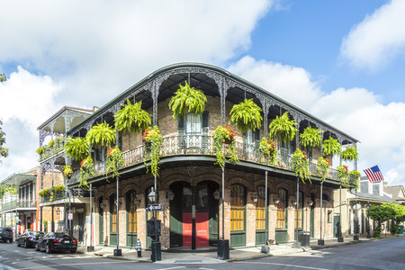 Foto de historic building in the French Quarter - Imagen libre de derechos