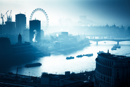 Foto de rooftop view over London on a foggy day from St Paul's cathedral, UK - Imagen libre de derechos
