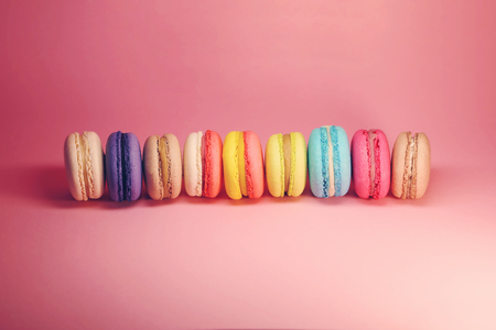 Photo pour Bright food photography of macroons on pink background - image libre de droit