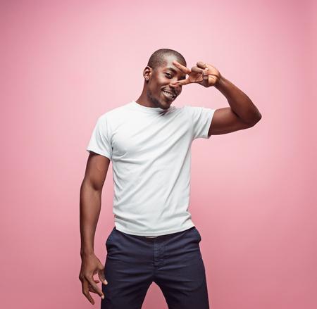 Foto de Portrait of a very happy afro American man - Imagen libre de derechos