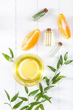 Photo pour oranges oil and Orange - image libre de droit