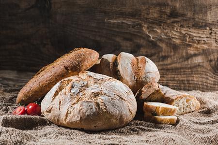 Foto de Fresh bread on table close-up - Imagen libre de derechos