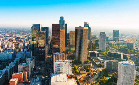 Foto de Aerial view of a Downtown Los Angeles at sunset - Imagen libre de derechos