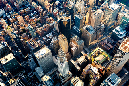 Foto de Aerial view of the skyscrapers of Midtown Manhattan New York City - Imagen libre de derechos