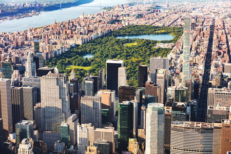 Foto de Aerial view of Midtown Manhattan, NY and Central Park - Imagen libre de derechos