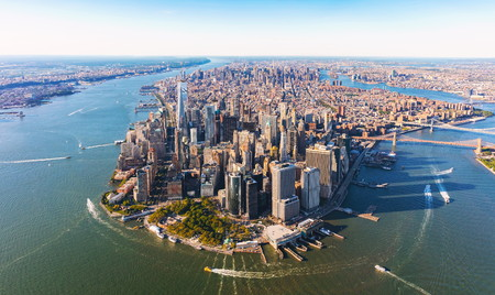 Foto de Aerial view of lower Manhattan New York City - Imagen libre de derechos