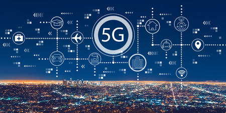 Foto de 5G network with downtown Los Angeles at night - Imagen libre de derechos