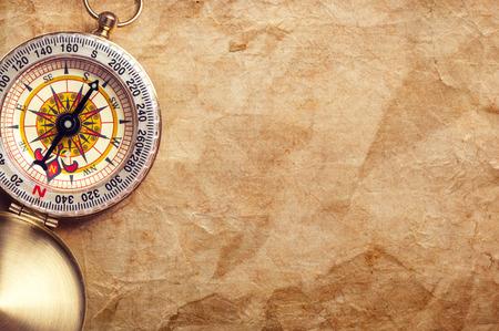 Photo pour old treasure map with compass - image libre de droit