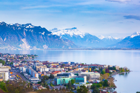 Photo pour Panorama of Montreux city, Lake Geneva and amazing mountains in Switzerland - image libre de droit