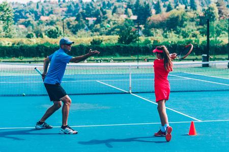 Photo pour Tennis training - image libre de droit