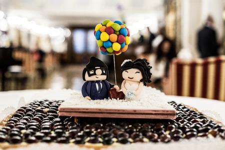 Photo pour funny wedding cake - image libre de droit