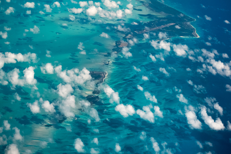 Photo pour Aerial shot of the tropical islands in Carribean Sea - image libre de droit