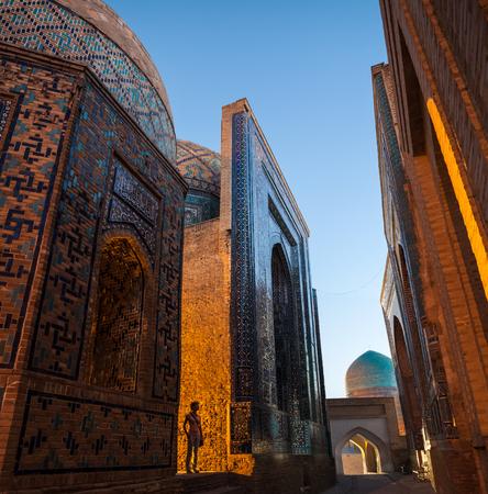 Foto de Ancient complex of buildings of Shakh i Zinda in the city of Samarkand, Uzbekistan - Imagen libre de derechos