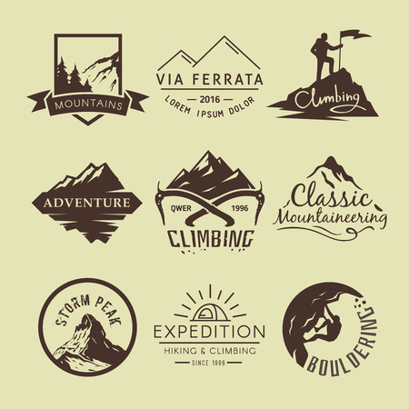 Ilustración de Set labels on the theme of Climbing, Trekking, Hiking, Mountaineering. Extreme sports, outdoor recreation, adventure in the mountains, vacation. Achievement - Imagen libre de derechos