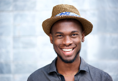 Foto per Close up portrait of a happy african american man laughing - Immagine Royalty Free