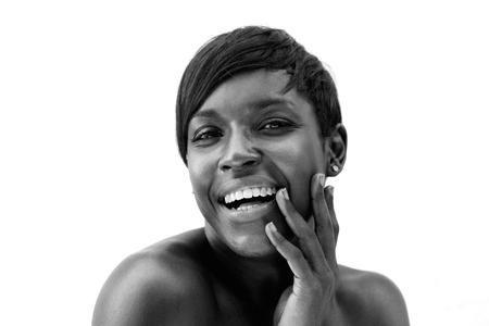Foto de Close up black and white portrait of a cheerful african american woman - Imagen libre de derechos