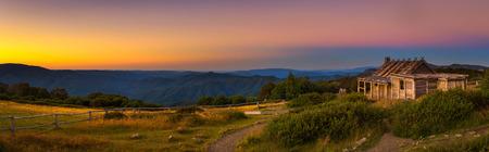 Photo pour Sunset above Craigs Hut  in the Victorian Alps, Australia - image libre de droit