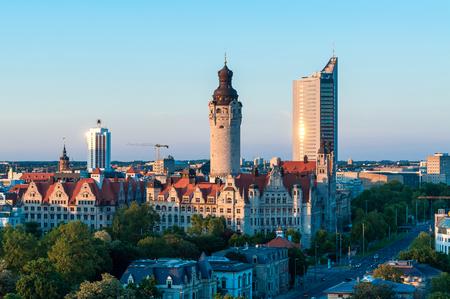Foto de Skyline of Leipzig with townhall at sunset, Germany - Imagen libre de derechos