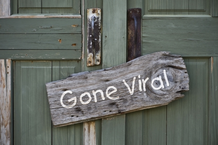 Photo pour Gone Viral Sign  - image libre de droit
