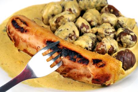 Photo pour White pudding and chestnuts on a plate - image libre de droit