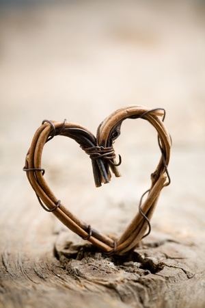 Photo pour Close up of heart made from willow - image libre de droit