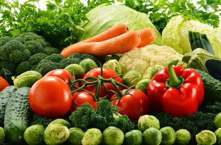 Photo pour Composition with assorted raw organic vegetables - image libre de droit