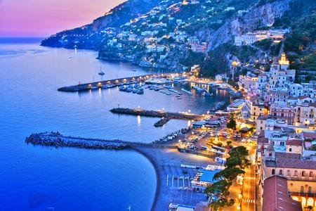 Foto de Amalfi in the province of Salerno, Campania, Italy - Imagen libre de derechos