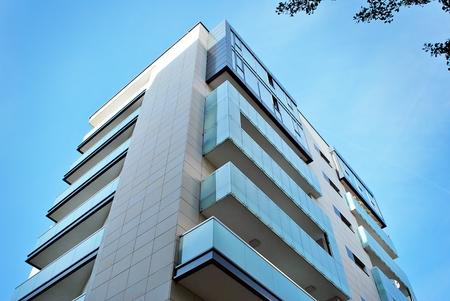 Photo pour Modern, Luxury Apartment Building against blue sky - image libre de droit