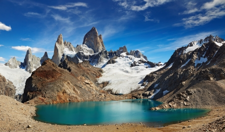 Photo pour Laguna de Los Tres and mount Fitz Roy, Los Glaciares National Park, Patagonia, Argentina - image libre de droit