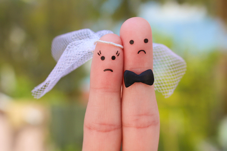 Photo pour Fingers art of couple. Concept of wedding, woman and man needs to get married, but they do not want. - image libre de droit