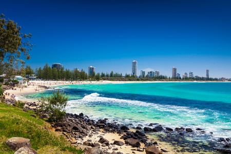Photo pour Gold Coast skyline and surfing beach visible from Burleigh Heads, Queensland - image libre de droit